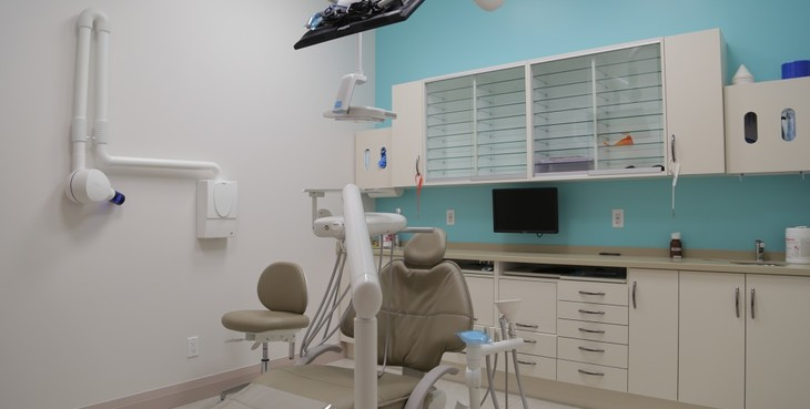 Large thornhill dentist world dental  6  th