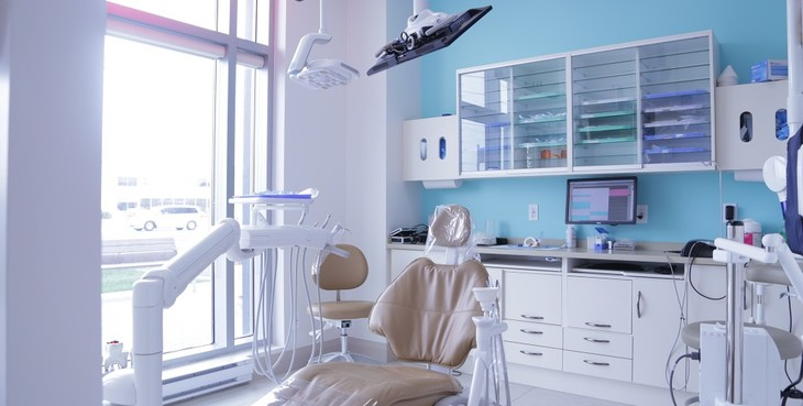 Large thornhill dentist world dental  8  th